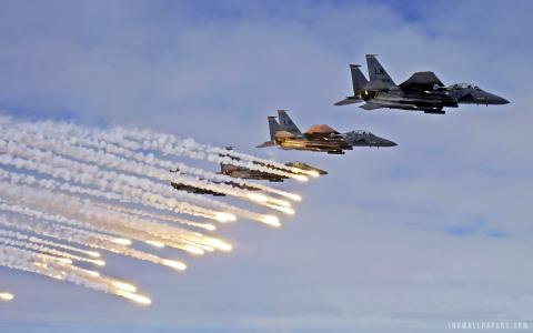 F 15E Strike Eagles Launch Chaffs & Flares wallpaper