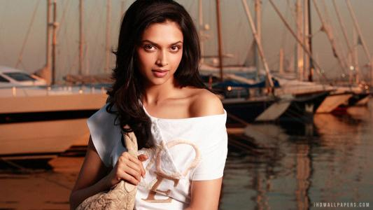 Deepika Padukone on Verve wallpaper