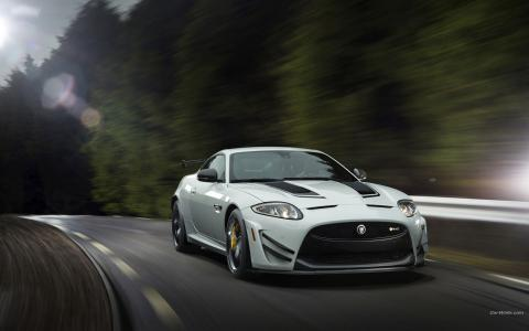 捷豹XKR-S GT Road Motion Blur高清壁纸